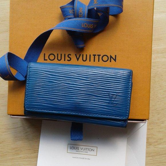 VTG LOUIS VUITTON BLUE TEAL 4 KEY ring EUC STUNNIN